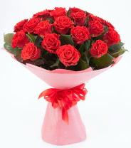 12 adet kırmızı gül buketi  Kayseri çiçek çiçek siparişi vermek