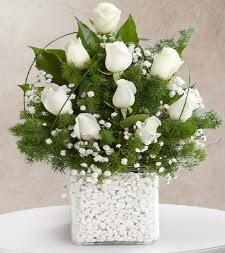9 beyaz gül vazosu  Kayseri çiçek çiçekçi mağazası