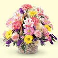 Kayseri çiçek çiçek online çiçek siparişi  sepet içerisinde gül ve mevsim