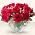 Kayseri çiçek güvenli kaliteli hızlı çiçek  mika yada cam içerisinde 10 gül - sevenler için ideal seçim -