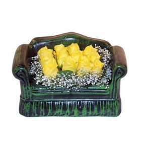 Seramik koltuk 12 sari gül   Kayseri çiçek internetten çiçek satışı