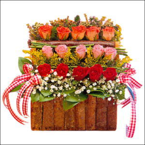 sandikta 3 kat güllerden   Kayseri çiçek hediye sevgilime hediye çiçek