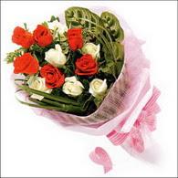 5 kirmizi 5 beyaz güllerden   Kayseri çiçek 14 şubat sevgililer günü çiçek