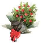 12 adet kirmizi gül buketi   Kayseri çiçek internetten çiçek siparişi