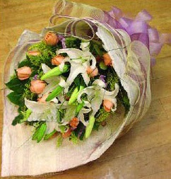 Kayseri çiçek online çiçek gönderme sipariş  11 ADET GÜL VE 1 ADET KAZABLANKA