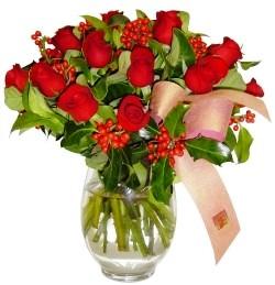 Kayseri çiçek internetten çiçek siparişi  11 adet kirmizi gül  cam aranjman halinde