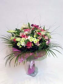 Kayseri çiçek çiçekçiler  karisik mevsim buketi mevsime göre hazirlanir.