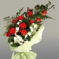 Kayseri çiçek internetten çiçek satışı  11 adet kirmizi gül buketi sade haldedir