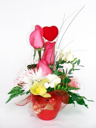Kayseri çiçek internetten çiçek satışı  cam içerisinde 3 adet gül ve kir çiçekleri