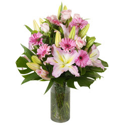 vazo içerisinde karisik mevsim çiçekleri  Kayseri çiçek cicekciler , cicek siparisi