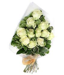 Kayseri melikgazi çiçek çiçek yolla  12 li beyaz gül buketi.