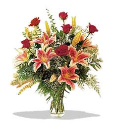 Kayseri çiçek yurtiçi ve yurtdışı çiçek siparişi  Pembe Lilyum ve Gül