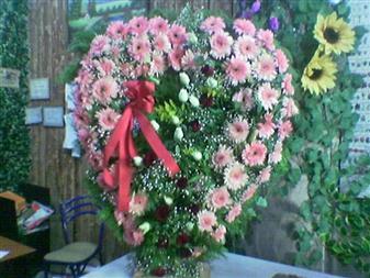 Kayseri çiçek ucuz çiçek gönder  SEVDIKLERINIZE ÖZEL KALP PANO