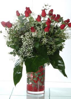 Kayseri kocasinan çiçek İnternetten çiçek siparişi  11 adet kirmizi gül ve cam yada mika vazo tanzim