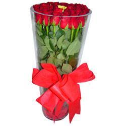 Kayseri çiçek güvenli kaliteli hızlı çiçek  12 adet kirmizi gül cam yada mika vazo tanzim