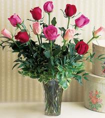 Kayseri çiçek online çiçekçi , çiçek siparişi  12 adet karisik renkte gül cam yada mika vazoda