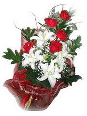Kayseri çiçek çiçek yolla , çiçek gönder , çiçekçi   5 adet kirmizi gül 1 adet kazablanka çiçegi buketi