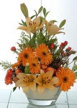 Kayseri çiçek yurtiçi ve yurtdışı çiçek siparişi  cam yada mika vazo içinde karisik mevsim çiçekleri
