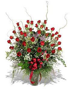 Kayseri çiçek çiçek siparişi vermek  33 adet kirmizi gül vazo içerisinde