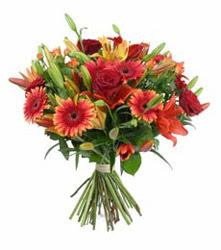 Kayseri çiçek ucuz çiçek gönder  3 adet kirmizi gül ve karisik kir çiçekleri demeti