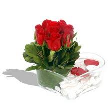 Mika kalp içerisinde 9 adet kirmizi gül  Kayseri çiçek yurtiçi ve yurtdışı çiçek siparişi