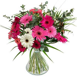 15 adet gerbera ve vazo çiçek tanzimi  Kayseri çiçek 14 şubat sevgililer günü çiçek