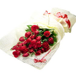 Çiçek gönderme 13 adet kirmizi gül buketi  Kayseri çiçek çiçekçi mağazası