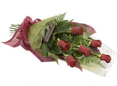 ucuz çiçek siparisi 6 adet kirmizi gül buket  Kayseri çiçek çiçek siparişi vermek