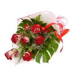 Çiçek gönder 9 adet kirmizi gül buketi  Kayseri çiçek uluslararası çiçek gönderme