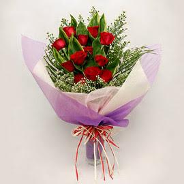 çiçekçi dükkanindan 11 adet gül buket  Kayseri çiçek internetten çiçek siparişi