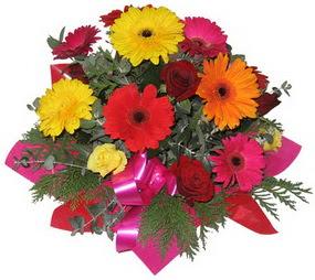 Karisik mevsim çiçeklerinden buket  Kayseri çiçek kaliteli taze ve ucuz çiçekler