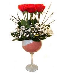 Kayseri çiçek cicek , cicekci  cam kadeh içinde 7 adet kirmizi gül çiçek