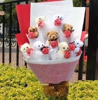 Kayseri çiçek uluslararası çiçek gönderme  9 adet ayicik ve 9 adet yapay gül