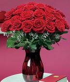 Kayseri çiçek güvenli kaliteli hızlı çiçek  11 adet Vazoda Gül sevenler için ideal seçim