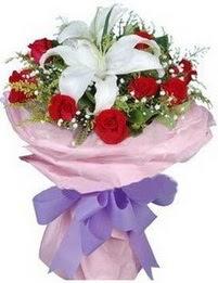 9 adet kirmizi gül 1 adet kazablanka buketi  Kayseri çiçek internetten çiçek siparişi