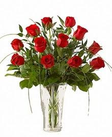 cam yada mika vazo içerisinde 9 kirmizi gül  Kayseri çiçek çiçek siparişi vermek