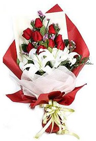 Kayseri çiçek çiçekçiler  9 adet gül 2 adet kazablanka buketi