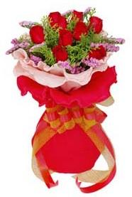 Kayseri çiçek hediye sevgilime hediye çiçek  8 Adet kirmizi güllerden buket tanzimi