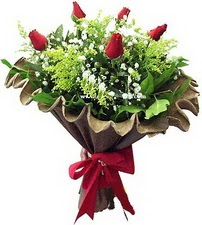 Kayseri çiçek 14 şubat sevgililer günü çiçek  5 adet kirmizi gül buketi demeti