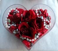 Kayseri çiçek anneler günü çiçek yolla  mika kalp içerisinde 3 adet gül ve taslar