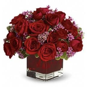 11 adet kırmızı gül vazosu  Kayseri çiçek cicek , cicekci