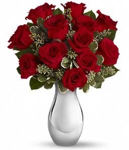 Kayseri çiçek uluslararası çiçek gönderme   vazo içerisinde 11 adet kırmızı gül tanzimi