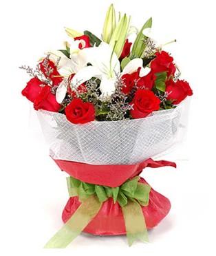 Kayseri çiçek çiçekçiler  1 dal kazablanka 11 adet kırmızı gül buketi
