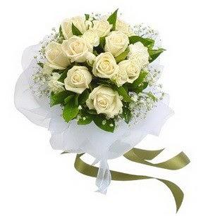 Kayseri melikgazi çiçek çiçek yolla  11 adet benbeyaz güllerden buket