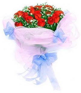 Kayseri çiçek çiçek siparişi vermek  11 adet kırmızı güllerden buket modeli