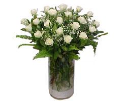 Kayseri hacılar çiçek çiçek gönderme sitemiz güvenlidir  cam yada mika Vazoda 12 adet beyaz gül - sevenler için ideal seçim