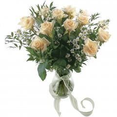 Vazoda 8 adet beyaz gül  Kayseri çiçek çiçek servisi , çiçekçi adresleri