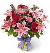Vazo içerisinde karışık mevsim çiçeği  Kayseri çiçek çiçek siparişi vermek