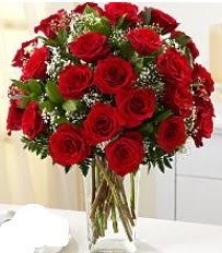 Vazo içerisinde 33 adet kırmızı gül  Kayseri çiçek anneler günü çiçek yolla