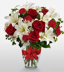 Eşsiz vazo tanzimi güller kazablankalar  Kayseri çiçek 14 şubat sevgililer günü çiçek